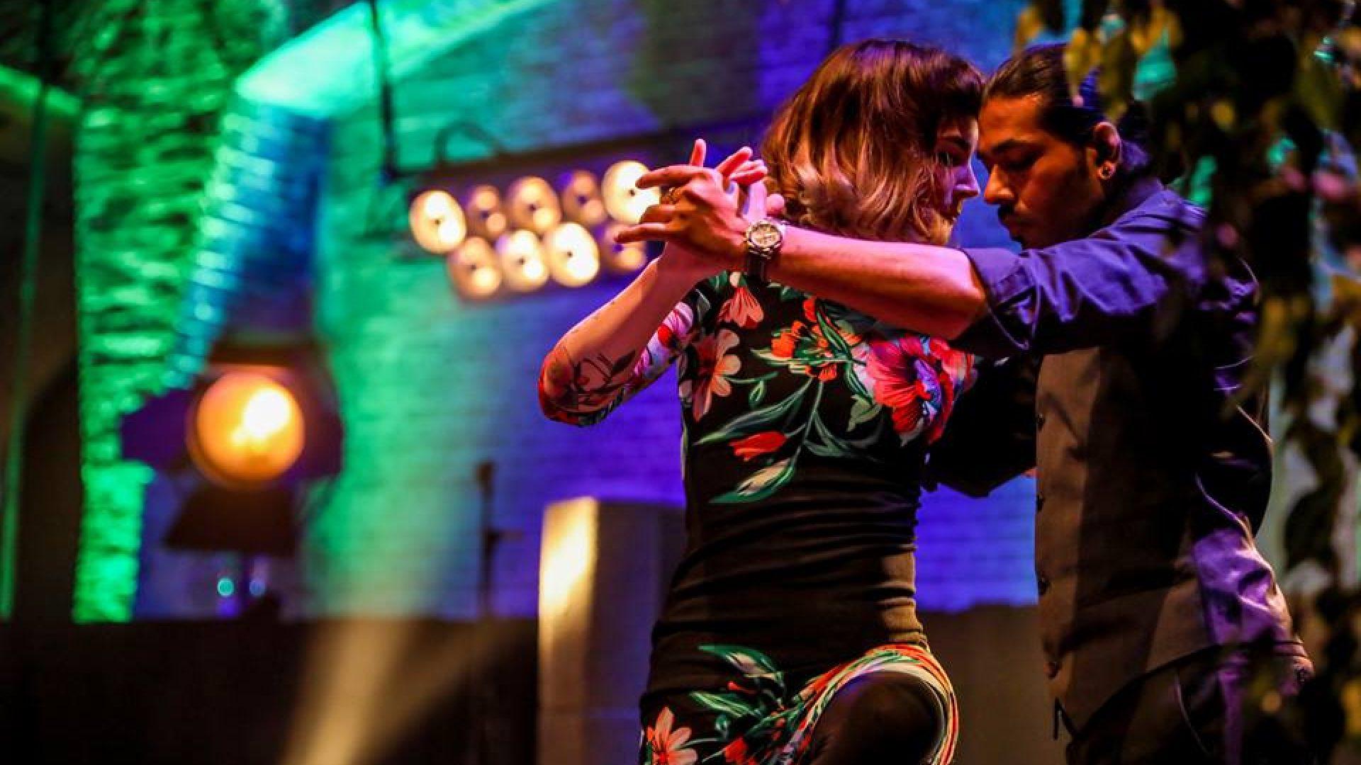 Dance Miles - Argentijsnse Tango en Zouk - danslessen